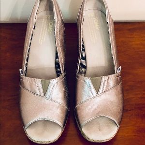 TOMS Silver Wedge Sandals Size 8W